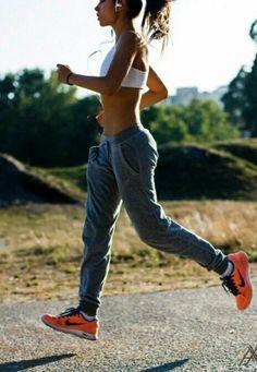 -Que yo no estoy gord@ ¿para qué voy hacer ejercicio? ¿cómo para qué? ¿para qué?  Pues está mal que cuestiones que no necesitas el gym o entrenar al aire libre, solo porque tienes cuerpo de reinad…