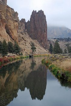 Crooked River - Smith Rock State Park - Terrebone, Oregon, Central Oregon's High Desert #GeorgeTupak