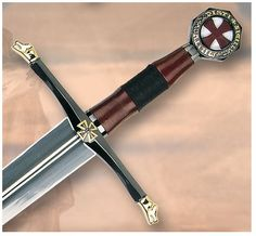 Knights magazine: Perché e gli obiettivi; in breve Medieval Weapons, Medieval Knight, Swords And Daggers, Knives And Swords, Sword Hilt, Knight Sword, Templer, Shuriken, Fantasy Weapons