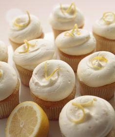 Georgetown Cupcake Lemon Blossom cupcakes | diy cake bake baking recipe inspiration
