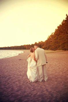 Beach shot! Photo by Kelly T. #minneapolisweddingphotographer