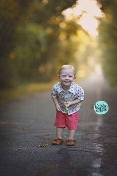 18 month old Photography Session | Photo Session | Kristin LaRue Photography | Paris, Texas | Grow with Me Plan