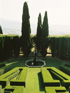 Gardens at La Foce Tuscany | photography by http://fleeting-moments.tumblr.com/
