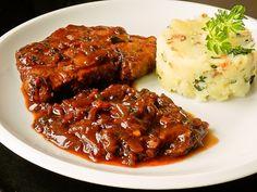 Bravčová krkovička s cibuľovou omáčkou (fotorecept) - obrázok 6 Meatloaf, Steak, Food, Meal, Essen, Steaks, Hoods, Meals, Eten