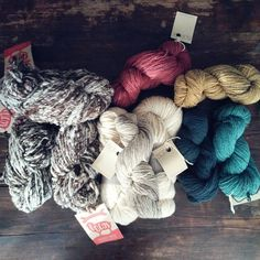 """""""My first yarn ever from @rosapomar and I'm totally in love. I also feel proud of and inspired by the tradition this yarn comes from. This fibre does tell…"""" #beiroa #bucos"""