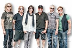 Foreigner rocks! See the photos, read the review.