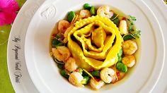 Cannellone a spirale con ragù di fave gamberetti e limone