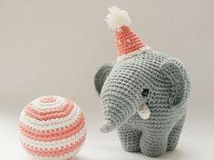 Tutoriales DIY: Cómo hacer un elefante de ganchillo vía DaWanda.com