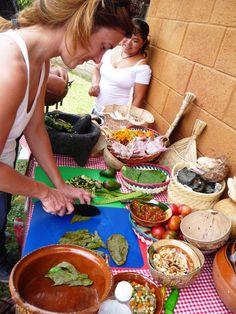 Franceses, colombianos, japoneses, americanos, todos intentan cortar con obsidiana para cocinar.