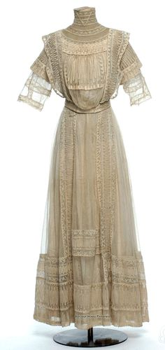 Dress in two parts, Lanvin, 1911. Silk, linen, tulle, lace. Les Arts Décoratifs via Europeana Fashion