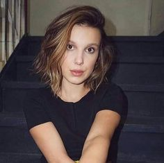 Millie is a beautiful girl bye Millie Bobby Brown, Stranger Things Actors, Bobby Brown Stranger Things, Bobbi Brown, Charlie Heaton, Actress Photos, Brown Hair, My Idol, Netflix