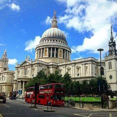 St. Paul's Cathedral, London, England  -   Photo by @californiaglobetrotter