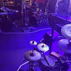 今日のステージ。F.I.B JOURNALと向かい合って一曲ずつ演奏しあうタイマンスタイル。 #schroeder-Headz Drums, Music Instruments, Concert, Instagram, Percussion, Musical Instruments, Drum, Concerts, Drum Kit