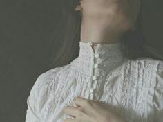 Pale, creamy white, soft pink, dark brown, which would be the perfect colour shade for your dress if you lived back in Victorian or Medieval times? Doll Style, Style Lolita, Picnic At Hanging Rock, Tessa Gray, Wuthering Heights, Southern Gothic, Cool Stuff, Foto Art, The Infernal Devices