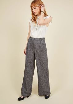 Mentor of the Universe Pants. Wear these heather grey trousers to your office hours, and your students will flock to see your stellar aesthetic! #grey #modcloth