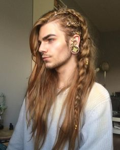 Nils Kuiper is braids goals Nils Kuiper, Hair Inspo, Hair Inspiration, Character Inspiration, Fantasy Inspiration, Character Design, Braided Hairstyles, Cool Hairstyles, Male Long Hairstyles