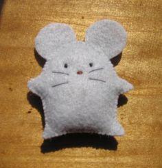 Handmade Needlecraft on Etsy - 4 Cute Felt Animal Doll Fridge Magnets Mouse Cat Pig Bunny by TotallyMine Felt Patterns Free, Felt Doll Patterns, Felt Animal Patterns, Stuffed Animal Patterns, Diy Stuffed Animals, Craft Patterns, Cat Themed Parties, Homemade Cat Toys, Felt Bookmark