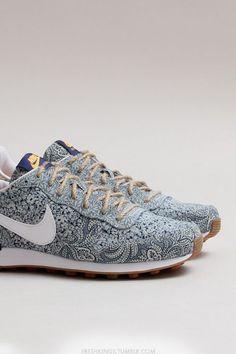 Freshkings: Nike Womens Internationalist LIB QS (Blue... (Ive seen the truth and its nothing like you said)