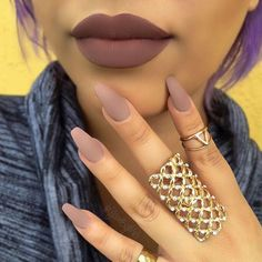 Singer Youtuber   Orlando Fl /  Philly  SnapChat   Contact@GlamByMeli.Com   YT::NEW How to get Matte Nails (using Corn Starch)