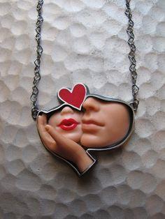 barbie parts jewelry. - barbie parts jewelry. Jewelry Crafts, Jewelry Art, Unique Jewelry, Jewelry Accessories, Handmade Jewelry, Jewelry Design, Fashion Jewelry, Vintage Jewellery, Tiffany Jewelry