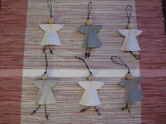 Jute, wooden beads large, 2 small) and felt to make these cute ornaments! Attach a small note to include your Reunion Group Name, city and state. Hobbies And Crafts, Diy And Crafts, Crafts For Kids, Arts And Crafts, African Christmas, Christmas Crafts, Christmas Ornaments, Small Sewing Projects, Craft Projects