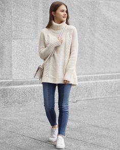 A Little Detail - White Cable Knit Sweater, Frayed Hem Jeans, White Adidas Superstars // #fallfashion #winterfashion #womensfashion #autumnfashion #turtleneck #twotonejeans #whitesneakers