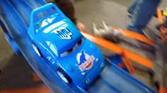 HOTWHEELS CARS JUMPS AND CRASHES! Hot Wheels ACTION!