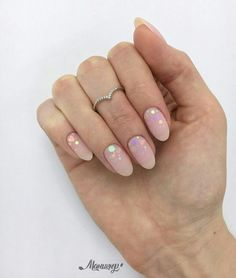 Semi-permanent varnish, false nails, patches: which manicure to choose? - My Nails Hair And Nails, My Nails, Gel Nails At Home, Short Nail Designs, Nail Decorations, Nude Nails, Perfect Nails, Halloween Nails, Short Nails