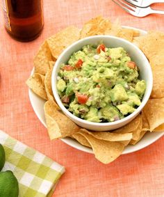 Chipotle's Secret Guacamole Recipe!!  As much as we wish we had slightly better self-control, we always end up spending the extra $2 on guacamole at Chipotle. It's nearly impossible to resist, plus there's no arguing that it really adds to our burrito bowls. Chipotle's guac practically...