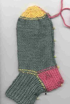 viimei3/ Sukat kahdella puikolla Christmas Stockings, Socks, Knitting, Holiday Decor, Needlepoint Christmas Stockings, Tricot, Breien, Sock, Stricken