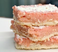 I've been looking for a recipe like this.  Strawberry Lemonade Bars. Yummy.