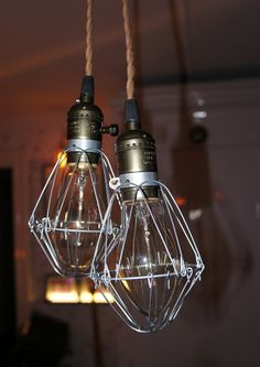 Dubbel burlampa med takfäste via Vintage Lighting. Click on the image to see more!