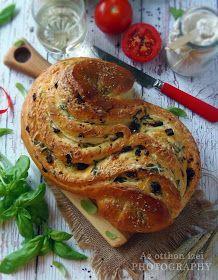 Az otthon ízei: Szicíliai kenyér (Pane Siciliano) Bread Recipes, Cooking Recipes, Croissant Bread, Ciabatta, Canapes, Winter Food, Italian Recipes, Bakery, Paleo