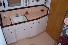 vintage-ceramic-tile-bathroom-vanity-top-peach-and-mauve