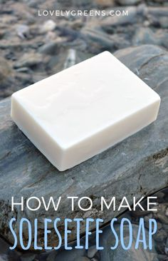 How to make Soleseife: a Natural Seawater Soap Recipe - Lovely Greens Soap Making Recipes, Homemade Soap Recipes, Homemade Crafts, Sea Salt Soap, Savon Soap, Piel Natural, Soap Making Supplies, Partys, Shampoo Bar