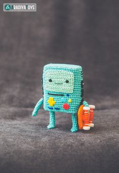 "Crochet Pattern of BMO from ""Adventure Time"" (Amigurumi tutorial PDF file)"
