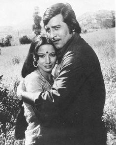 From one of my favorite Vinod Khanna movies… 'Khoon Ki Pukar' Seen here with Shabana Azmi. Vinod Khanna, Vintage Bollywood, Indian Movies, Film Industry, Indian Outfits, Filmmaking, Mumbai, My Idol, Movie Stars