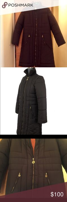 Tory Burch Puffer Coat Perfectly cozy and stylish Tory Burch puffer coat with a knit ribbed collar. Two front pockets and lots of beautiful gold hardware. Fun pop orange interior. Size Large. Very gently worn. Tory Burch Jackets & Coats Puffers