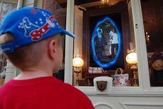 Cuidado com os vilões! O jogo 'orcerers of the Magic Kingdom' já está aberto no Walt Disney World Resort. #Disney #Jogos