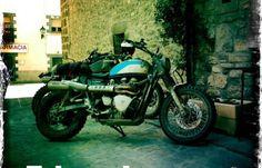 Moto JVB-MOTO Brit-Bob, Paradise Moto, Concessionnaire MV Agusta, Triumph et MBK, Paris Etoile