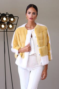 Fur Fashion, Vogue Fashion, Fashion Week, Winter Fashion, Womens Fashion, Jacket Style, Fur Jacket, Office Dresses For Women, Fur Clothing
