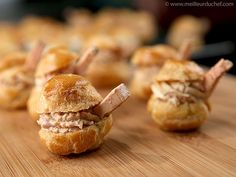 Choux Buns with Foie Gras Mousse - Recipe with images - Meilleur du Chef Profiteroles, Eclairs, Vol Au Vent, Tapas, Finger Food Appetizers, Appetizer Recipes, Choux Buns, Fingers Food, Choux Pastry