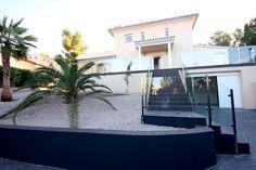 Ein hochwertiges Chalet in Sol de Mallorca zur Langzeitmiete mit Pool, 421 m2 Wohnfläche, 3 Schlafzimmer und Solartechnik. Monatliche Miete € 3.500.-