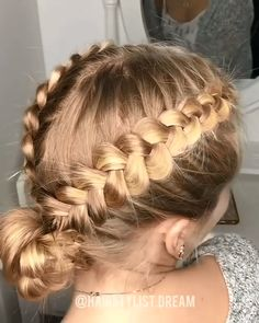 i really hope this helps you learn how to french braid! i tried to explain it as simple as i could think of how to french braid your hair in o tight braids step by step Cool Braids, Amazing Braids, Side Braids, Cute Hairstyles, Braided Hairstyles, School Hairstyles, Casual Hairstyles, Updo Hairstyle, Medium Hairstyles