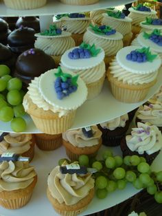 winery cupcakes--a song at each stop? theme for each stop? aging like a fine wine... still hot... 50 rocks... Wine Cookies, Wine Cupcakes, Pretty Cupcakes, Themed Cupcakes, Wedding Cupcakes, Cupcake Cakes, Cup Cakes, Middleburg Virginia, Barrel Cake