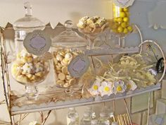 daisy themed bridal shower