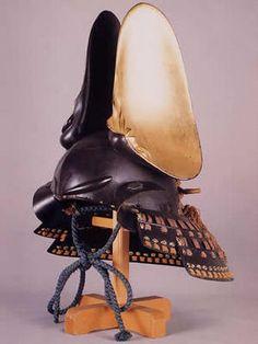 Samurai helmet with clam shell decoration, Azuchi Momoyama period Japan 割蛤張懸兜 Ronin Samurai, Samurai Helmet, Samurai Weapons, Samurai Armor, Arm Armor, Body Armor, Japanese Warrior, Japanese Sword, Elmo
