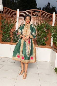 African Fashion For Ladies / New In Best African Dress Designs, Best African Dresses, Latest African Styles, African Print Dresses, African Wear, African Fashion, African Beauty, Men Fashion, Shweshwe Dresses
