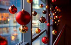 I love christmas decorated shop windows.