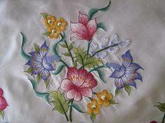 rengarenk çiçek işlemeli makina nakışı modeli Embroidery Motifs, Machine Embroidery, Embroidery Designs, Thread Painting, Thread Work, Embroidery Techniques, Embroidered Flowers, Needlepoint, Quilt Patterns